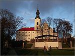 Klasztor karmelitów wOborach